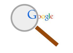 Google logó nagyítóval keresőoptimalizálás